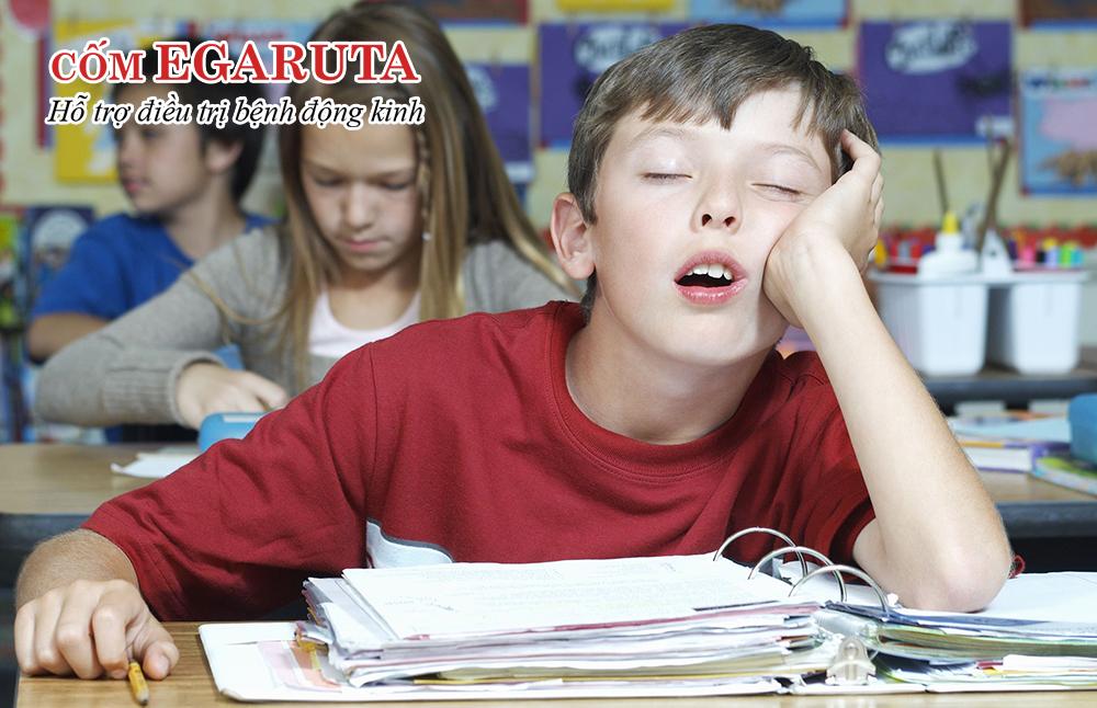 Buồn ngủ - Tác dụng phụ thường gặp của thuốc điều trị động kinh Epidiolex